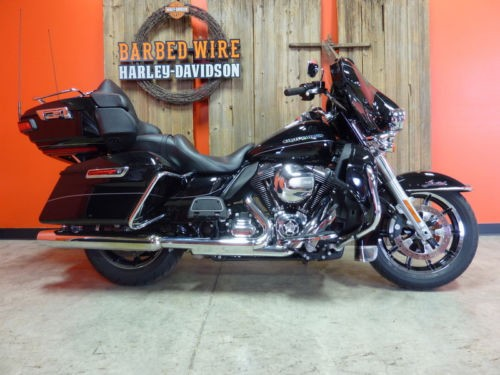 2016 Harley-Davidson Touring ULTRA LIMITED FLHTK Black photo