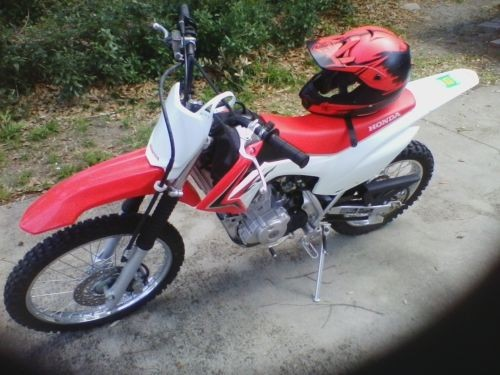 2016 Honda CRF Red photo