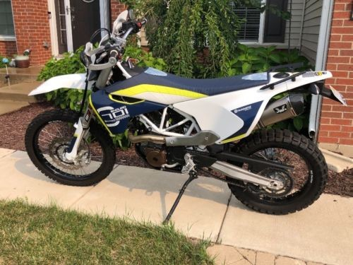 2016 Husqvarna 701 Blue photo