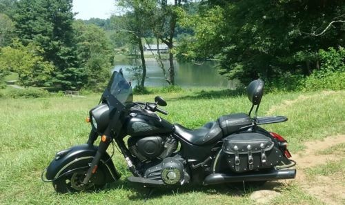 2016 Indian Chief Black photo