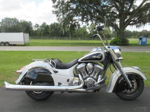 2016 Indian Chief Silver photo