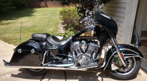 2016 Indian Chieftain Black photo
