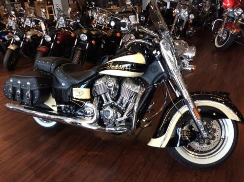 2016 Indian VINTAGE BLACK/CREME photo