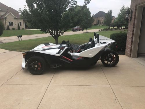 2016 Polaris Slingshot White photo