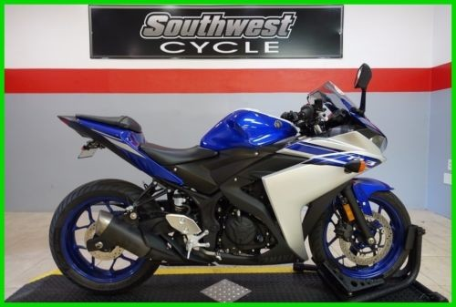 2016 Yamaha YZF R3 BLUE/SLVR photo