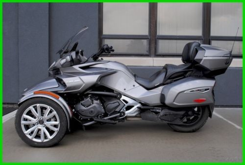2017 Can-Am SPYDER F3 LIMITED Black photo