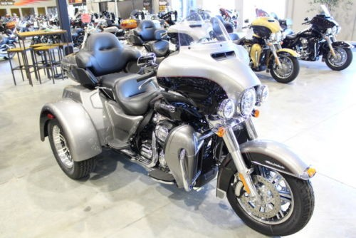 2017 Harley-Davidson FLHTCUTG – Tri Glide Ultra — Black for sale