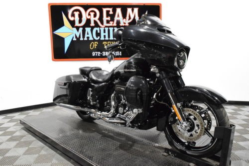2017 Harley-Davidson FLHXSE – Screamin Eagle Street Glide CVO — Black for sale craigslist