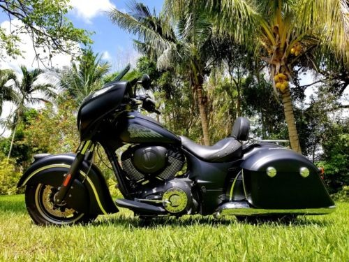 2017 Indian CHIEFTIAN DARKHORSE BLACK photo