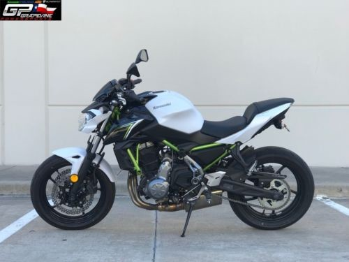 2017 Kawasaki Z650 White photo
