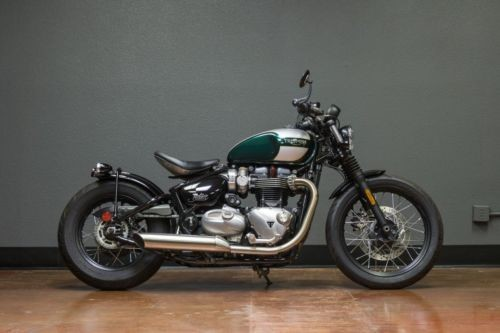 2017 Triumph Bonneville BOBBER Gray photo