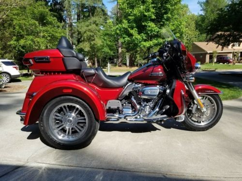 2018 Harley-Davidson Touring Wicked Red & Twisted Cherry for sale