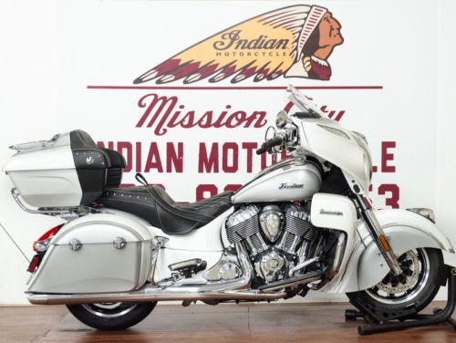 2018 Indian Roadmaster® ABS Pearl White over Star Silver -- Silver photo