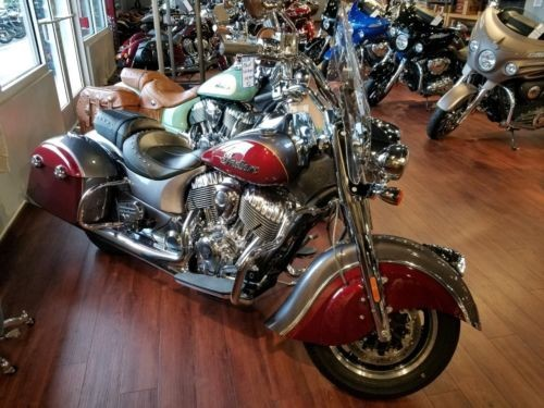 2018 Indian Springfield Steel Gray over Burgundy Metallic photo
