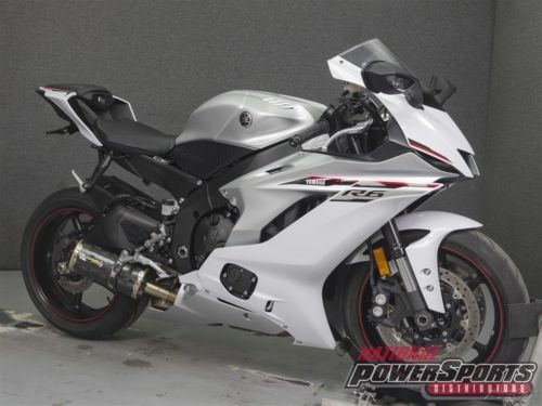 2018 Yamaha YZF White photo