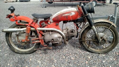 1962 Harley-Davidson Sprint 250 Red photo