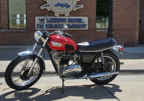 1963 Triumph Bonneville Red photo