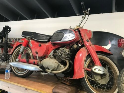 1965 Honda CA Red photo