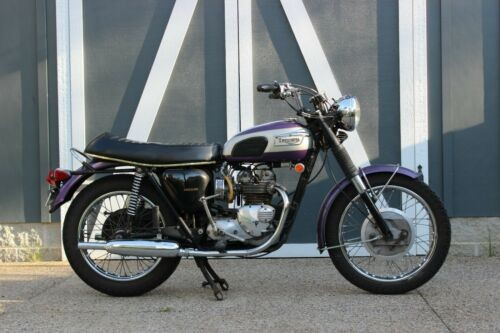 1970 Triumph Daytona Purple photo