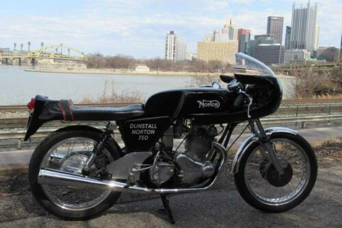 1971 Norton Commando Black photo