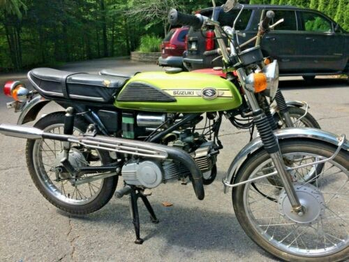 1971 Suzuki T125 Stinger Green photo