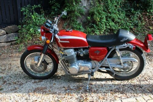 1972 Honda CB Red photo