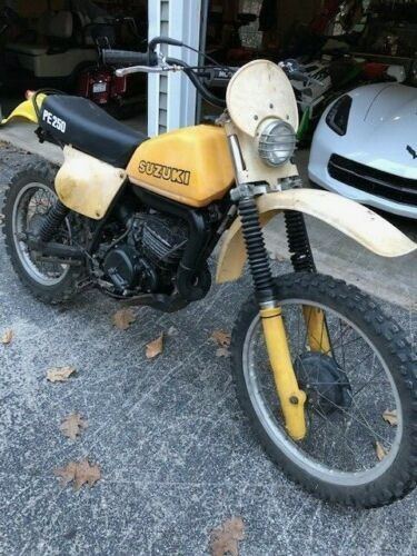 1978 Suzuki RM Yellow photo