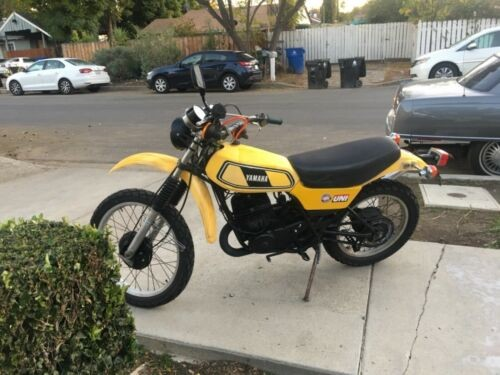 1978 Yamaha DT 400 Yellow photo