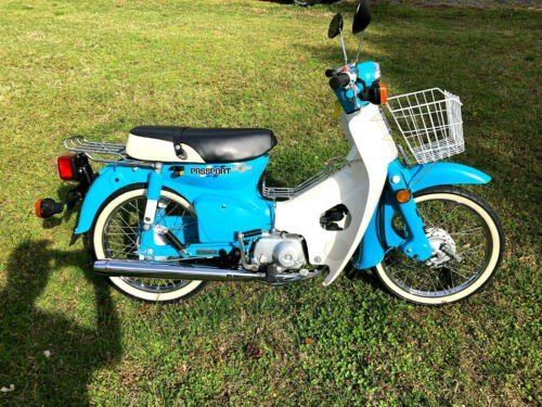 1982 Honda C70 Blue photo