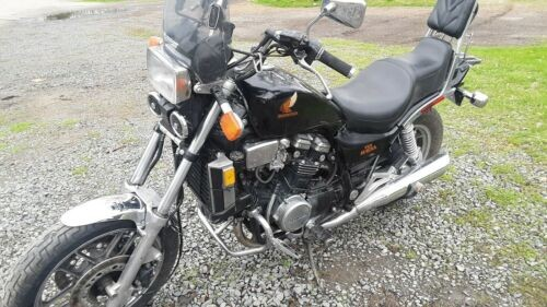 1984 Honda Magna Black photo