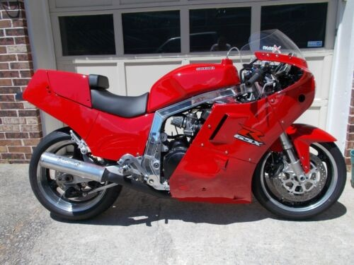 1986 Suzuki GSX-R RED photo