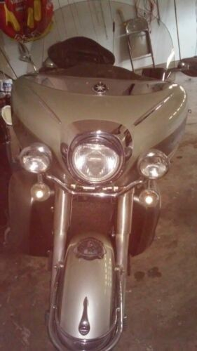 1999 Yamaha Royal star Silver photo