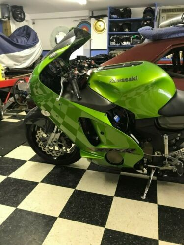 2000 Kawasaki Ninja Green photo