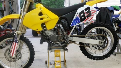 2000 Suzuki RM Yellow photo