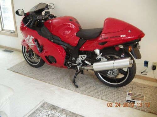 2004 Suzuki hayabusa GSX1300RZ red / black photo