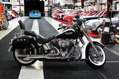 2005 Harley-Davidson Softail White photo