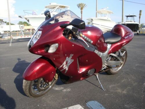 2005 Suzuki Hayabusa Burgundy photo