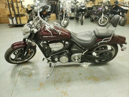 2005 Yamaha Road Star Maroon photo