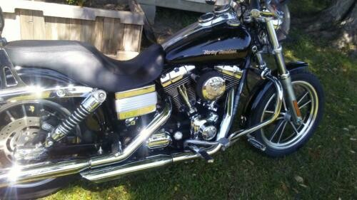 2006 Harley-Davidson Dyna Black photo