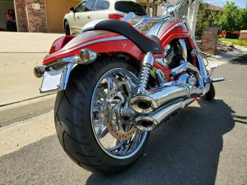 2006 Harley-Davidson V-ROD Red photo