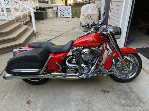 2007 Harley-Davidson FLHRSE3 CVO Road King Red photo
