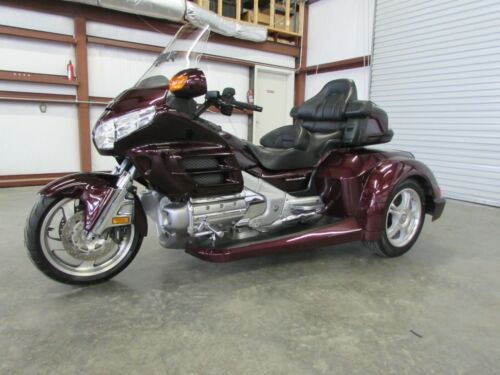 2007 Honda Gold Wing CHERRY photo