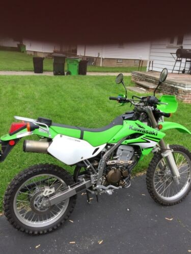 2007 Kawasaki KLX White and lime green photo