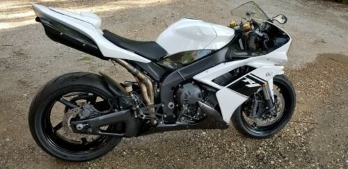 2007 Yamaha YZF-R White photo