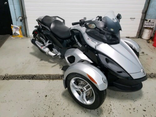 Can-Am: Spyder Silver photo
