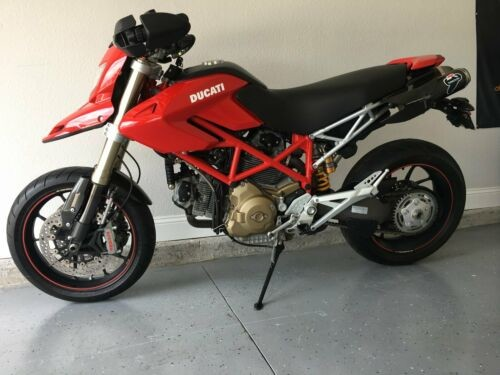 2008 Ducati Hypermotard Red photo