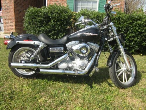 2008 Harley-Davidson Dyna Black photo