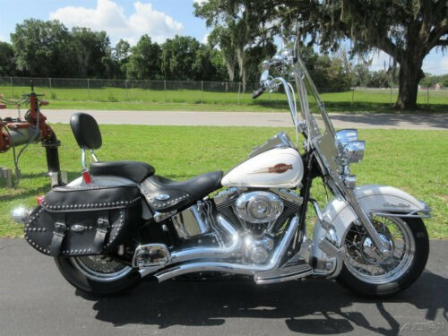 2008 Harley-Davidson Softail Heritage Softail® Classic White photo