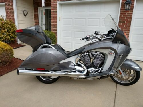 2008 Victory Vision Silver photo
