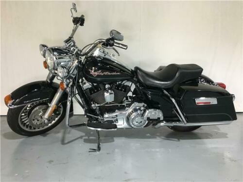 2009 Harley-Davidson ROAD KING MINT CONDITION — Black for sale